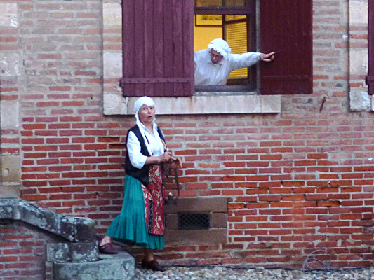 2- Causerie avec Marie, la servante